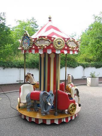 Karussell mieten & vermieten - 6 sitziges Karussell ~ Kinderkarussell ~ Nostalgiekarussell in Rheinmünster