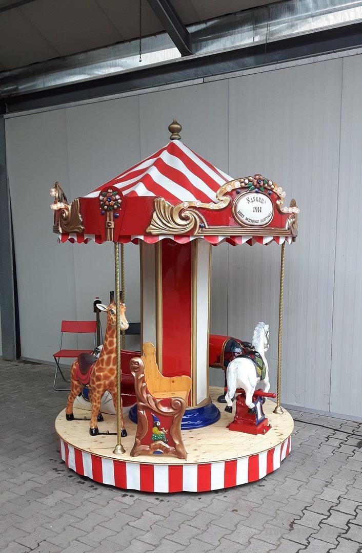 Karussell mieten & vermieten - 7 sitziges Karussell ~ Kinderkarussell ~ Nostalgiekarussell  in Rheinmünster