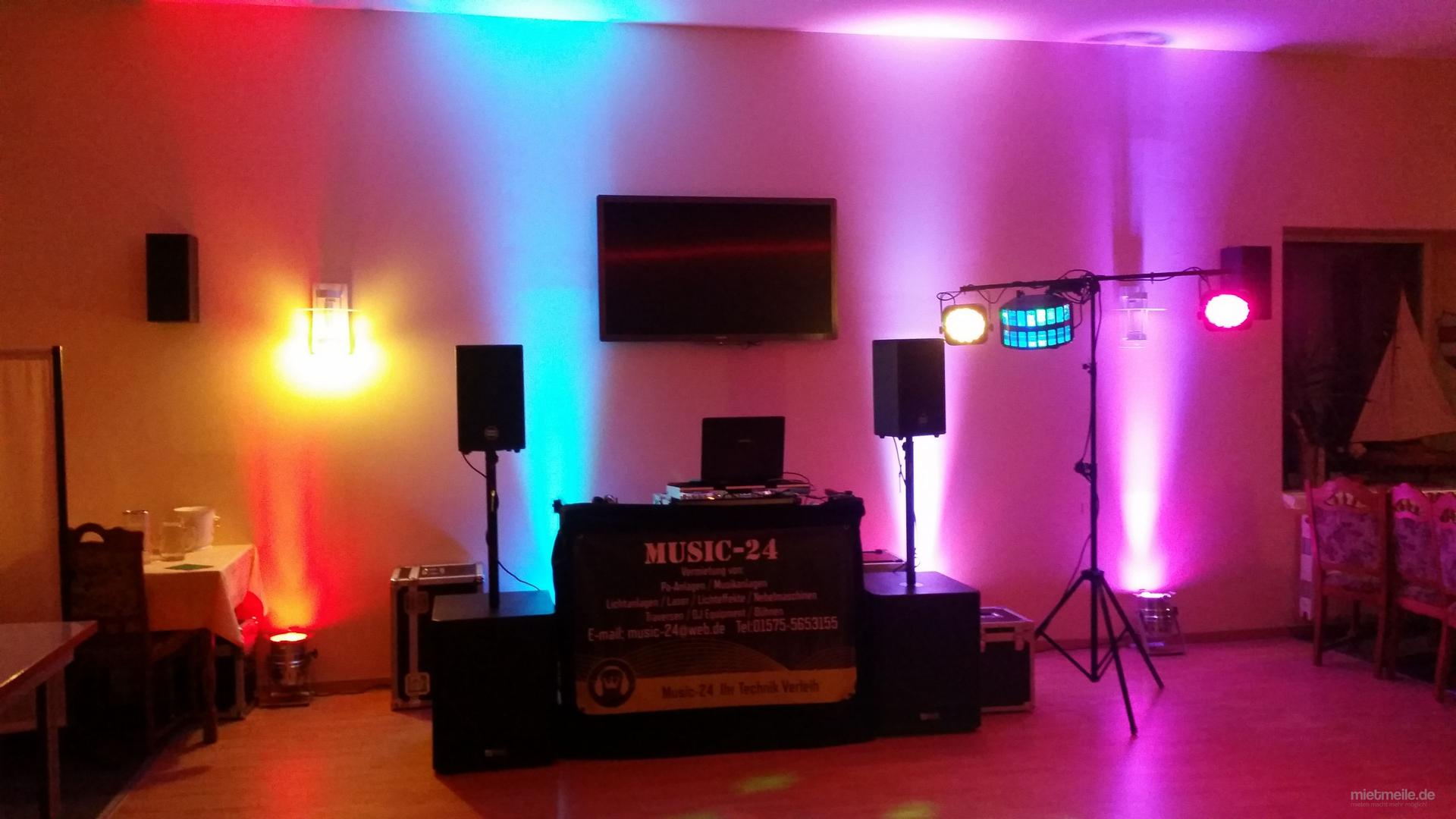DJ mieten & vermieten - DJ Service / DJ hier Buchen für Geburtstag Hochzeit Straßenfest Festival Disco Musikservice  in Wismar