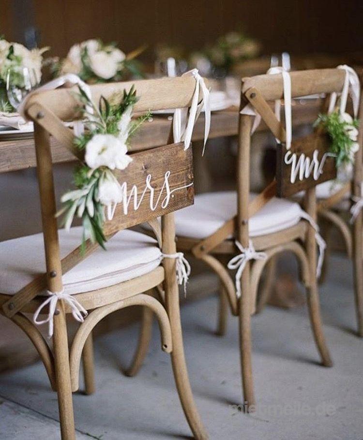 Stühle mieten & vermieten - Holzstühle PROVENCE Stühle mieten für Hochzeit in Stuttgart München Basel Chiavari Konstanz Frankfurt am Main Baden-Baden Wien    in Backnang