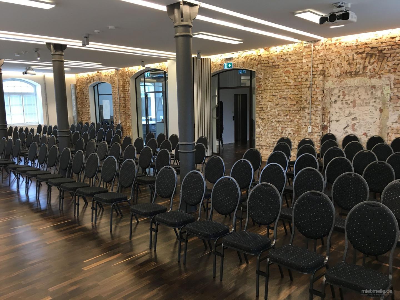 Stühle mieten & vermieten - Bankett-Stuhl // Biergarnitur // Stehtisch // Beleuchtete Stehtische etc. in Ludwigshafen am Rhein