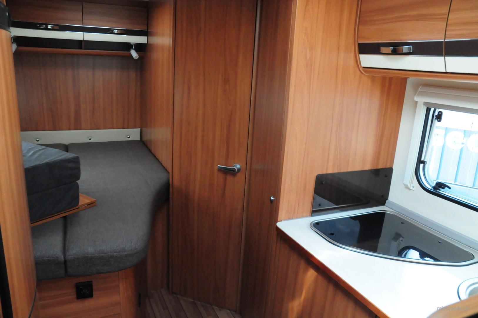 wohnmobil zu vermieten ab 75 tag reisefertig. Black Bedroom Furniture Sets. Home Design Ideas