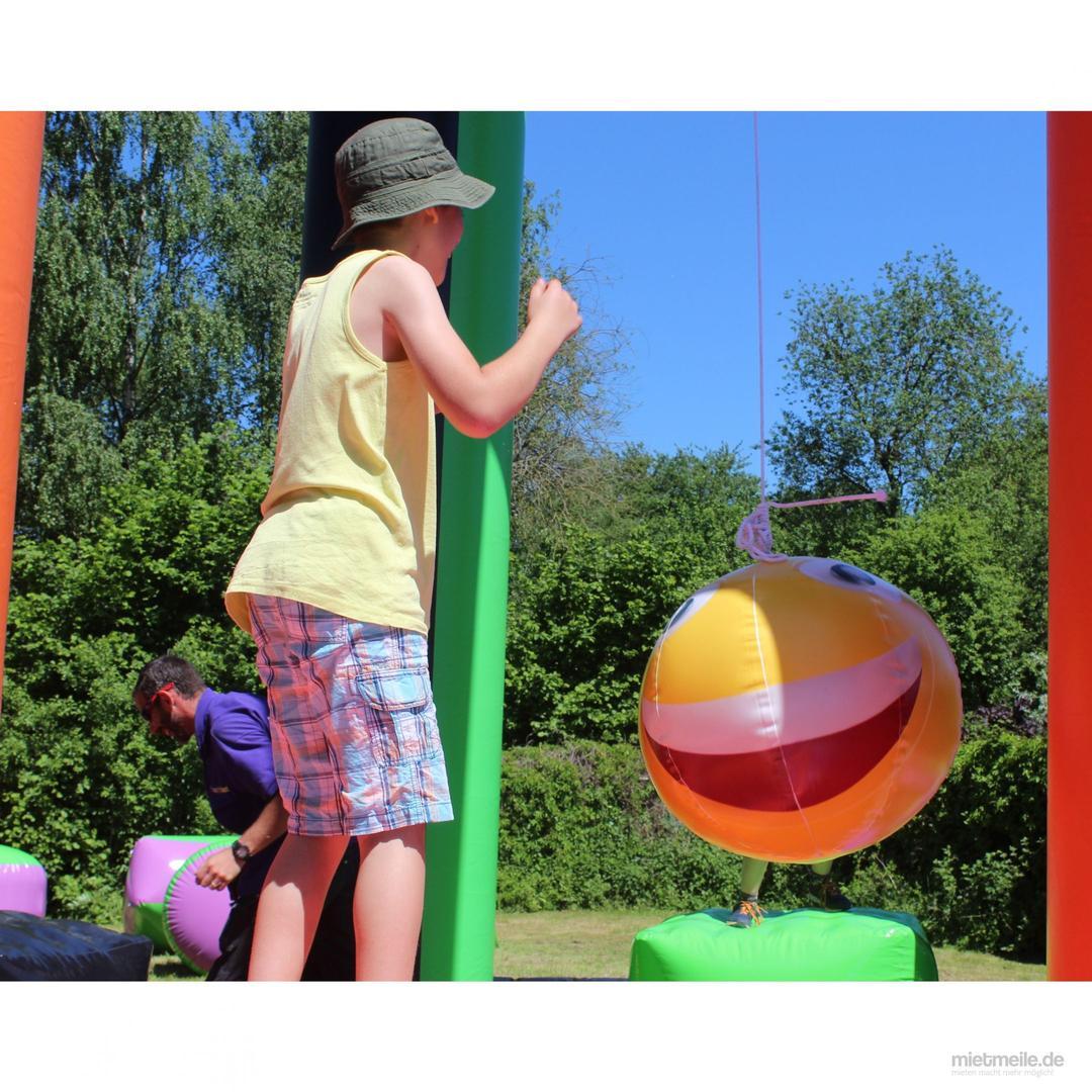Großspielgeräte mieten & vermieten - Swing ´m off mieten / Pendel Ball / Swing Ball / Schleuderball Arena / Swing em off Verleih NRW / Wettkampf Spiel in Aachen