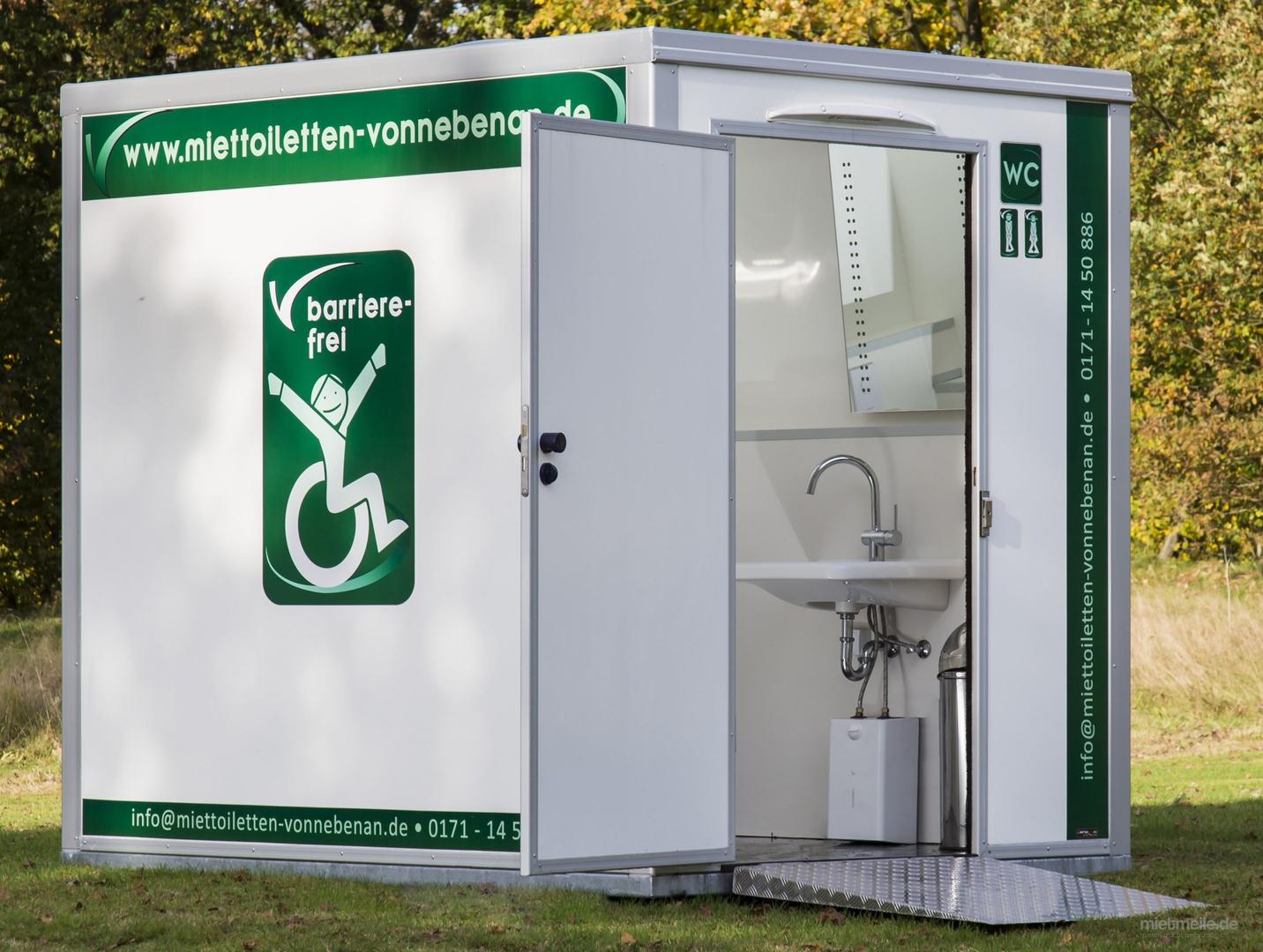 Toilettenwagen mieten & vermieten - Toilettenwagen / Barrierefrei in Lütjensee