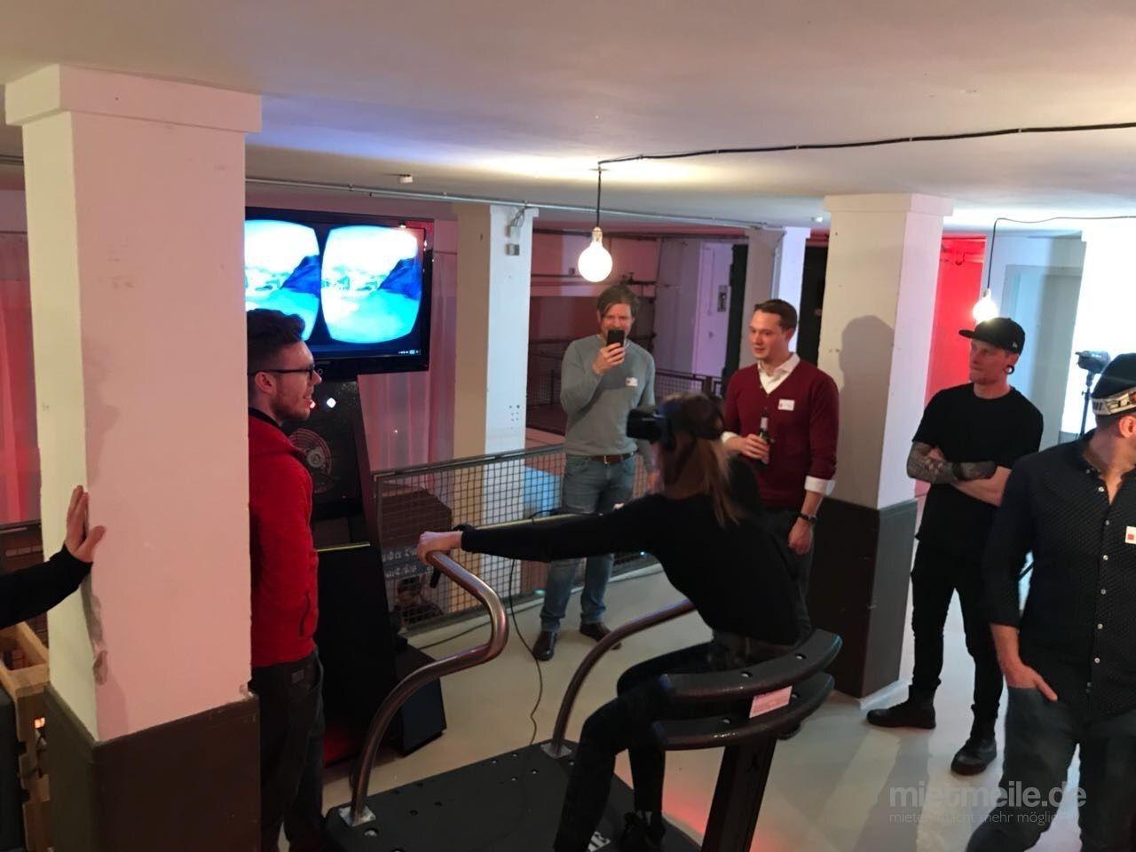 Simulatoren mieten & vermieten - Virtual Reality 5D Simulator 24 Abenteuer! Preis inkl. Techniker/Betreuer in Neukirchen-Vluyn