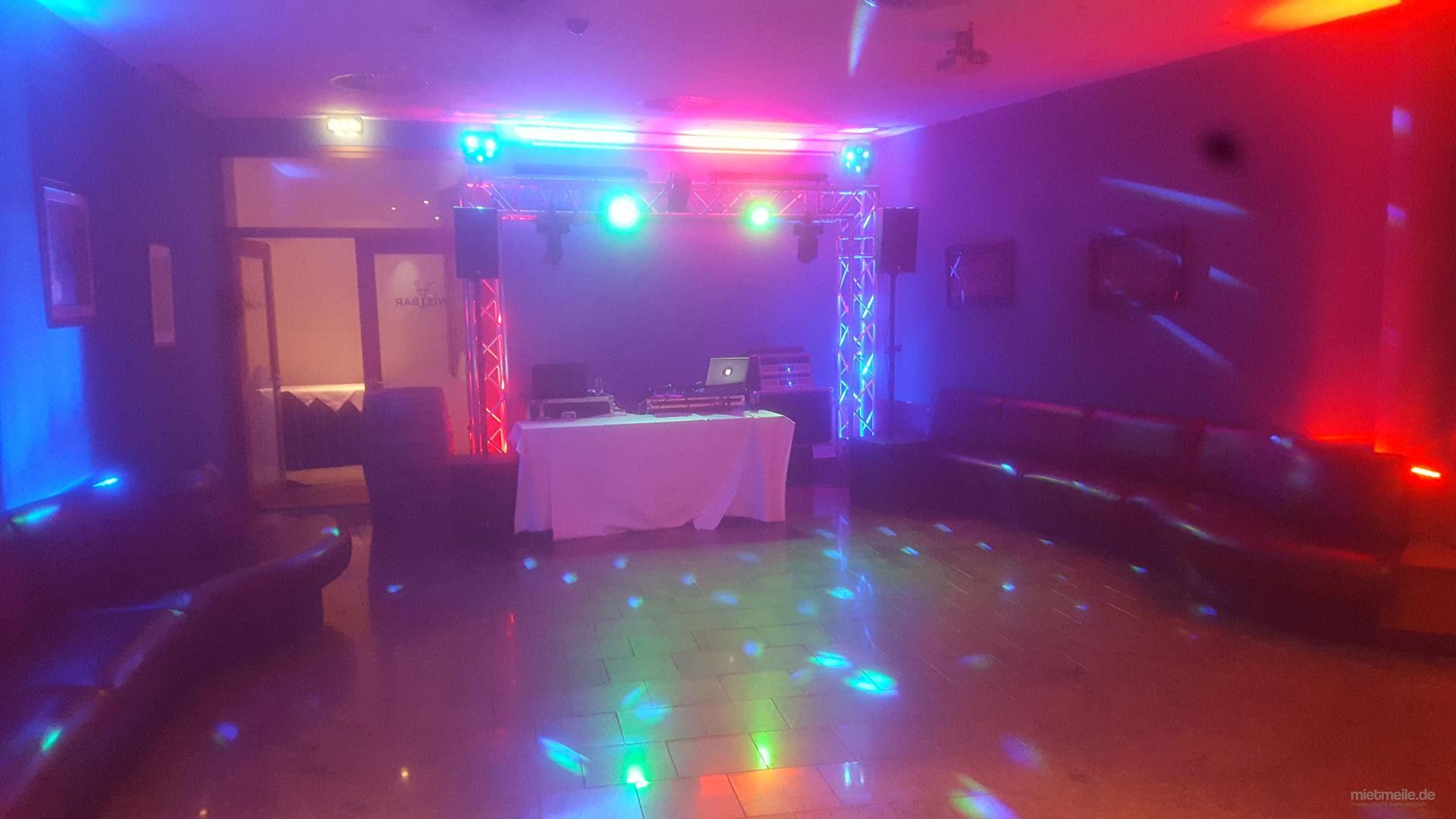DJ mieten & vermieten - DJ Service - Musikservice - Hochzeit - Geburtstag in Wismar