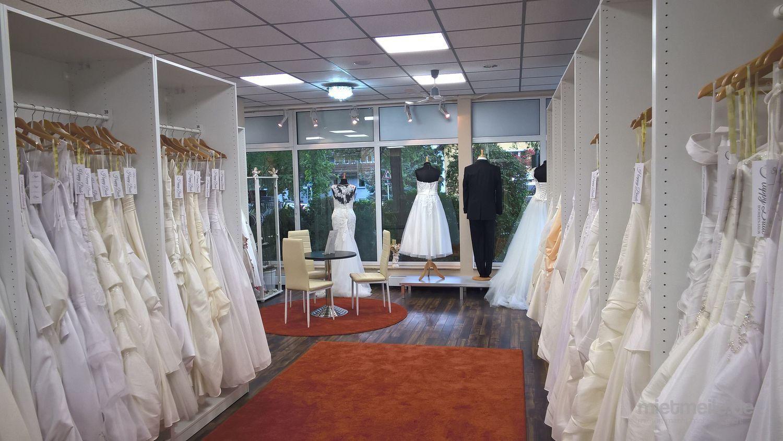 Brautkleider mieten & vermieten - Braut-, Abendmoden und Anzüge in Ludwigsburg