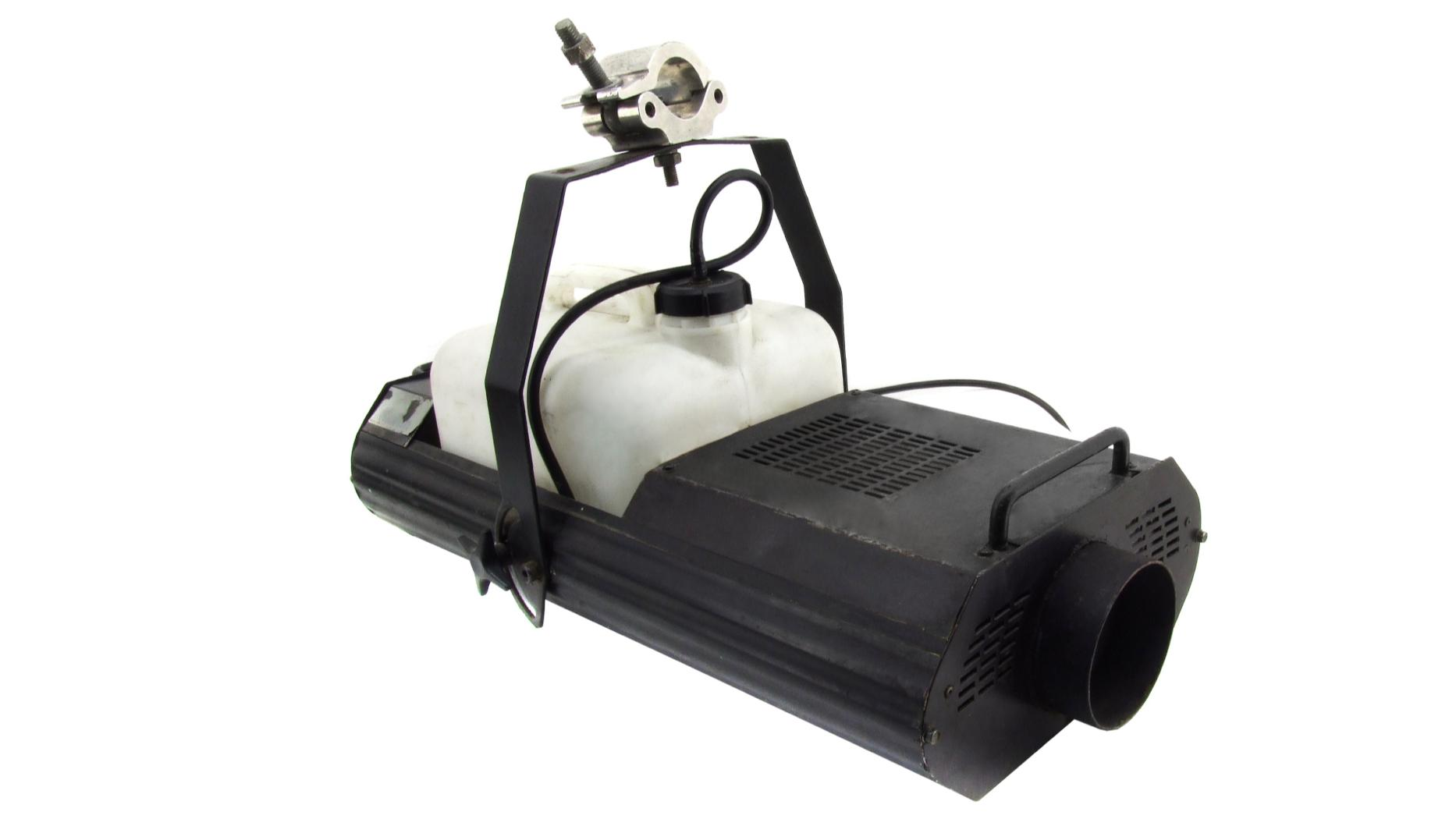 Nebelmaschine mieten & vermieten - Nebelmaschine Martin Magnum Pro 2000 1600W in Schkeuditz