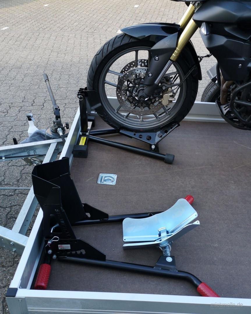 Motorradanhänger mieten & vermieten - Absenkbare Anhänger für 2 große Motorräder, Quads, etc. Dortmund in Dortmund