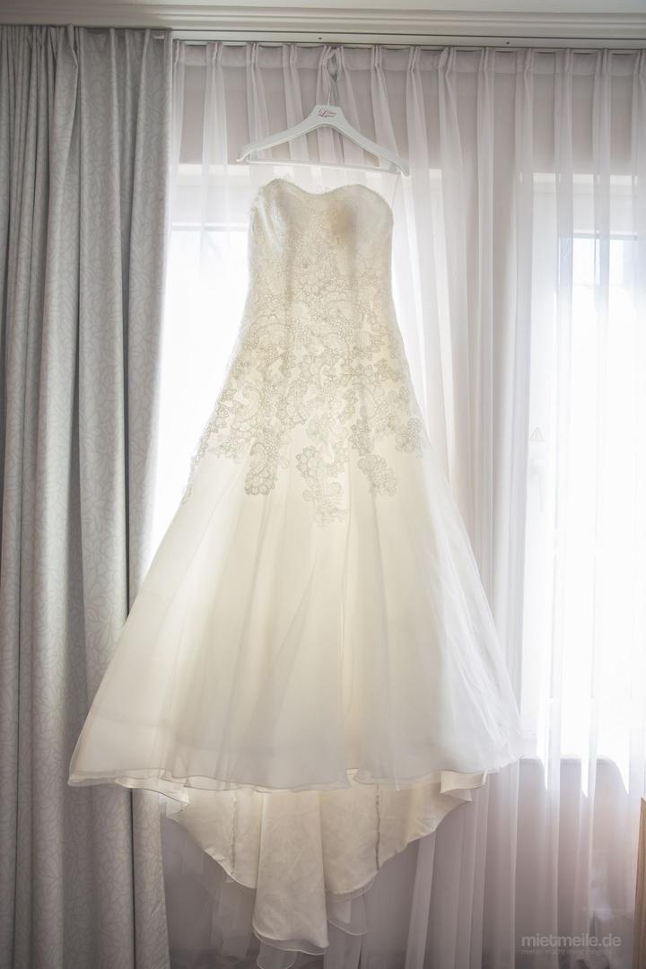 Brautkleider mieten & vermieten - Brautkleid spanische Mode  in Wiesbaden