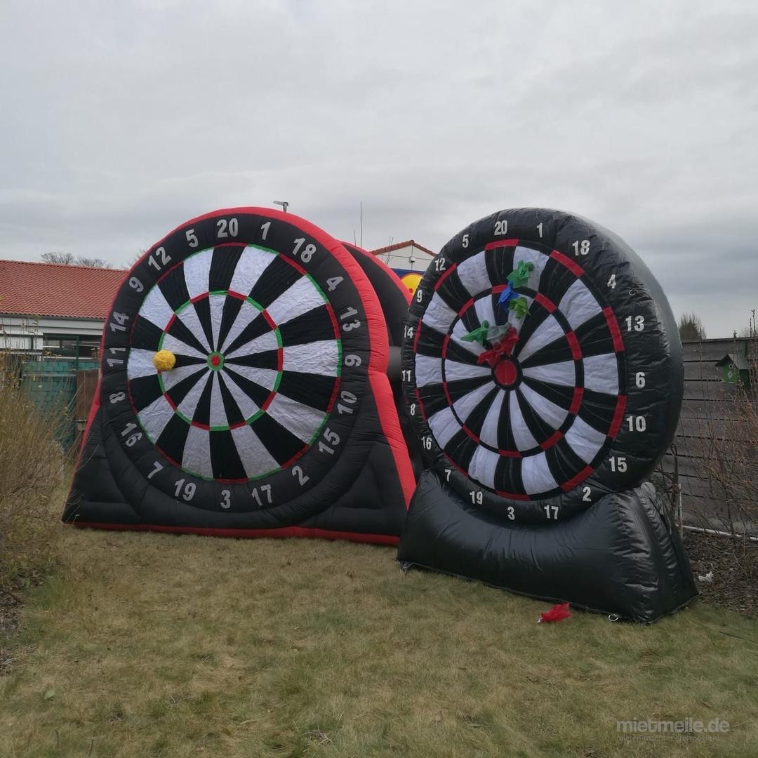Fußball-Dart mieten & vermieten - Dartwand XXL Fußball 4m x 4m x 4m in Essen