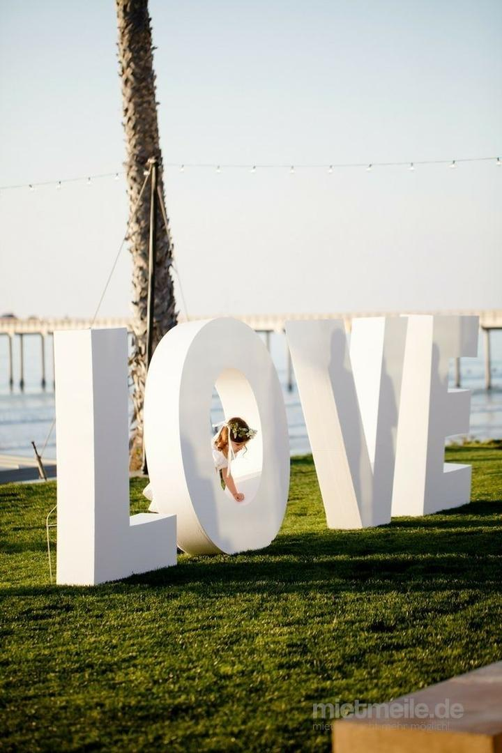 Hochzeitsdekoration mieten & vermieten - XXL LOVE Buchstaben in Stuttgart