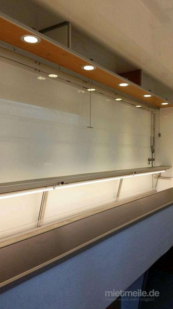 Verkaufsanhänger mieten & vermieten - Kühltheken-Verkaufsanhänger (Preise zuzüglich MwSt.) in Bergisch Gladbach