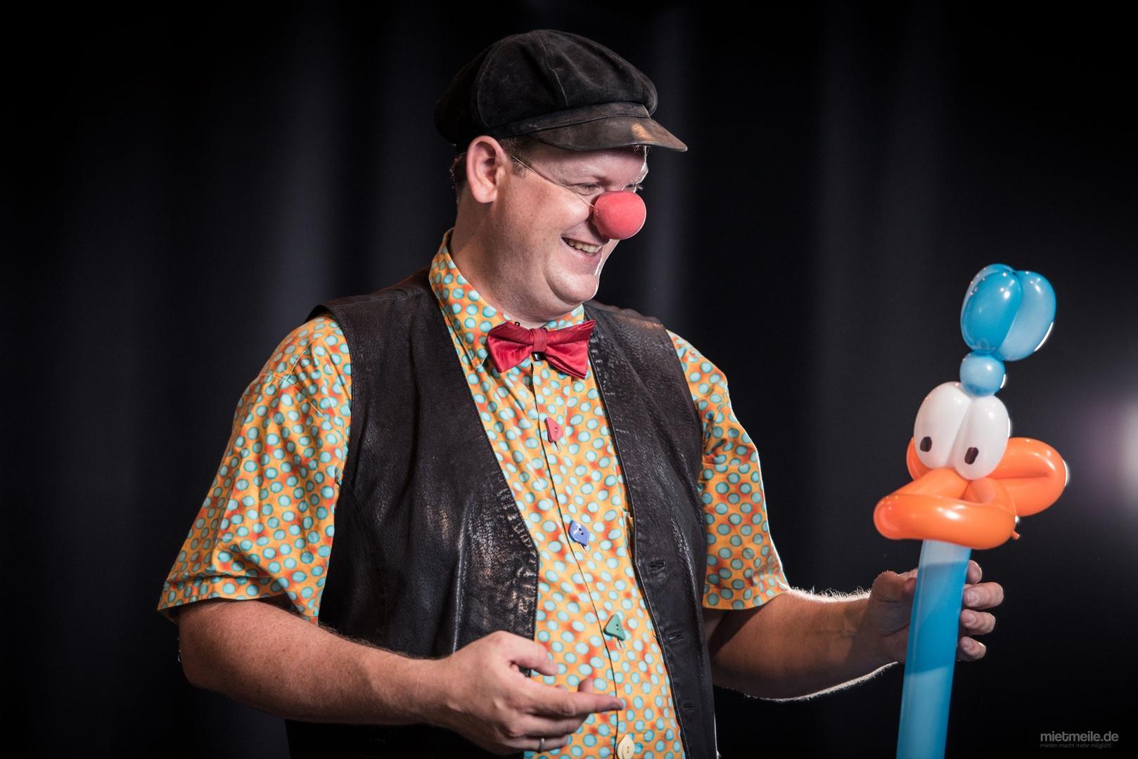 Clown mieten & vermieten - Clown Benji - Lachen, Zauber und Ballons in Linkenheim-Hochstetten