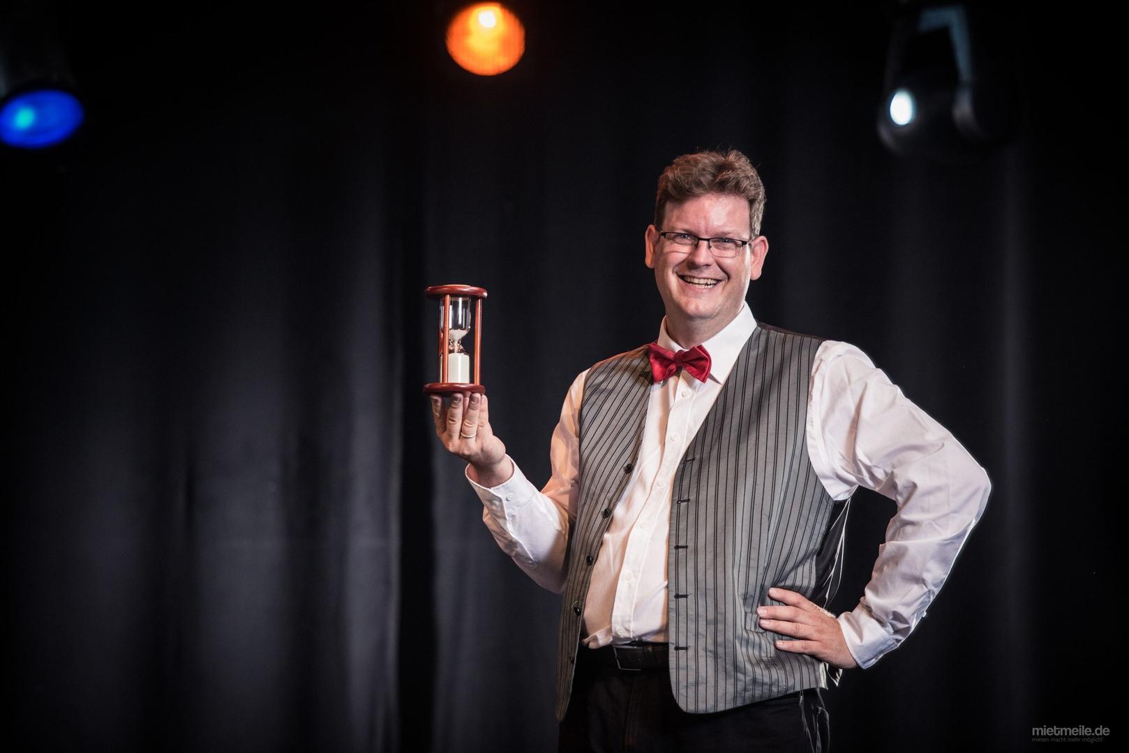 Magier & Zauberer mieten & vermieten - Zauberkünstler Benji Wiebe - Bezauberhaft! in Linkenheim-Hochstetten
