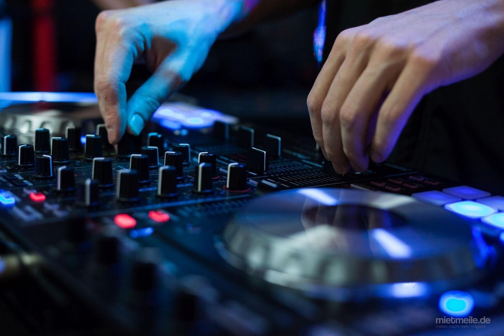 DJ mieten & vermieten - DJ, DJ Komplettpakete, Licht + Ton + DJ, Hochzeit, Geburtstag, Firmenevent und mehr in Leimen