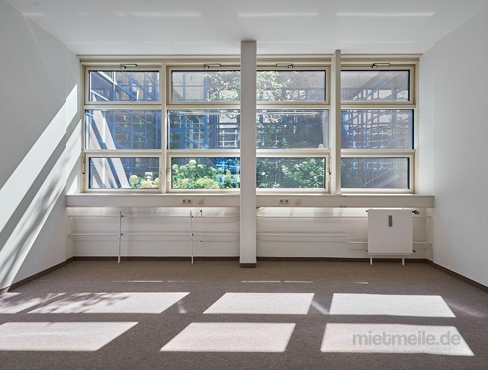 Büros mieten & vermieten - Renovierte Büroflächen in moderner Arbeitsumgebung in Grasbrunn in Grasbrunn