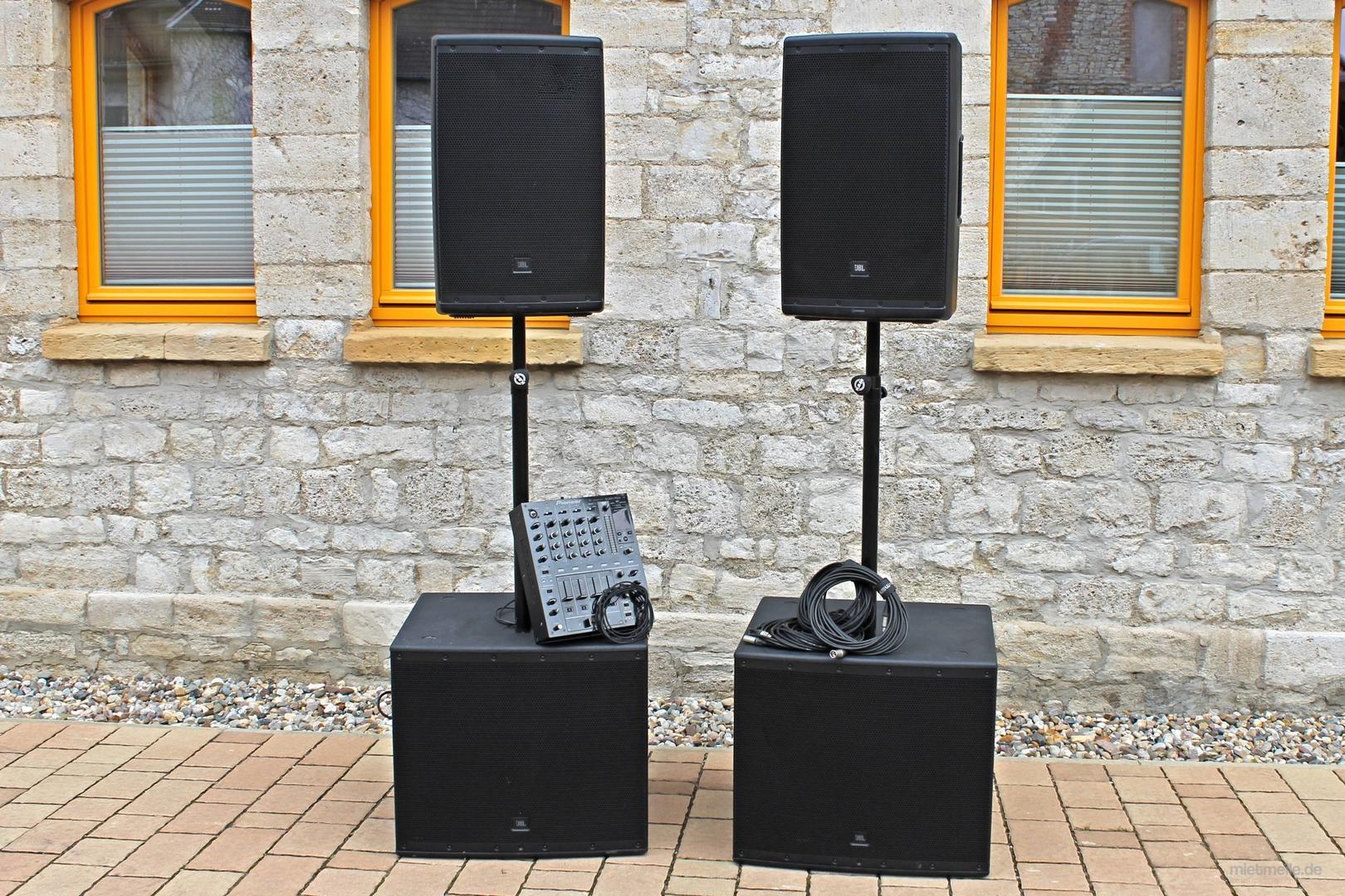 Musikanlage mieten & vermieten - Beschallungsanlage Musikanlage PA-Anlage Tonanlage für Events mit Mischpult und PC-Anschluss-Kabel in Gröningen