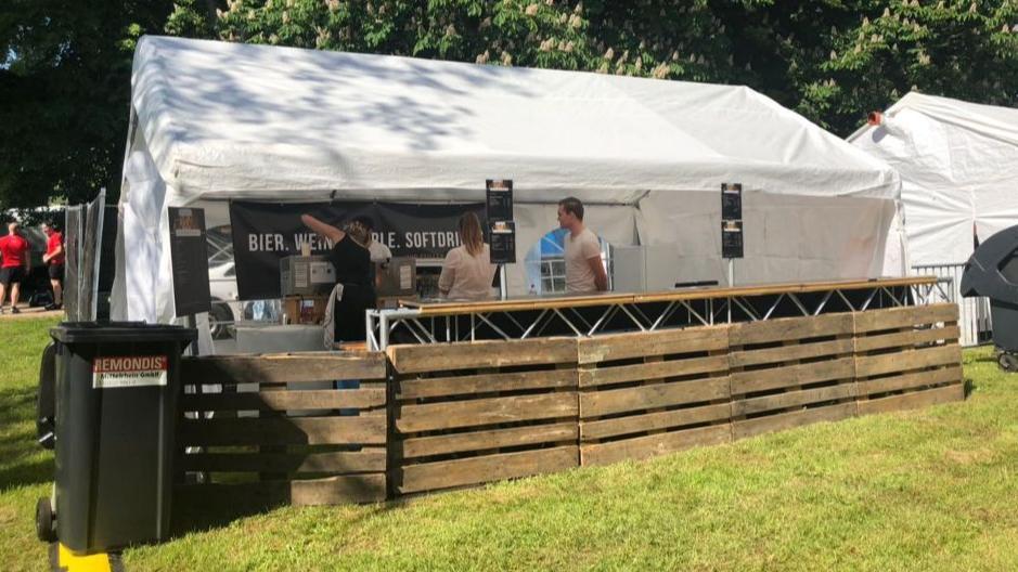 Zelt Partyzelt Pavillon Pagodenzelt mieten 48,00 EUR
