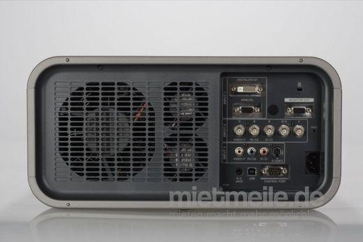 Beamer mieten & vermieten - Hochleistungs-Beamer - Eiki LC-X80 6500 Lumen inklusive Standard Optik in Hilzingen