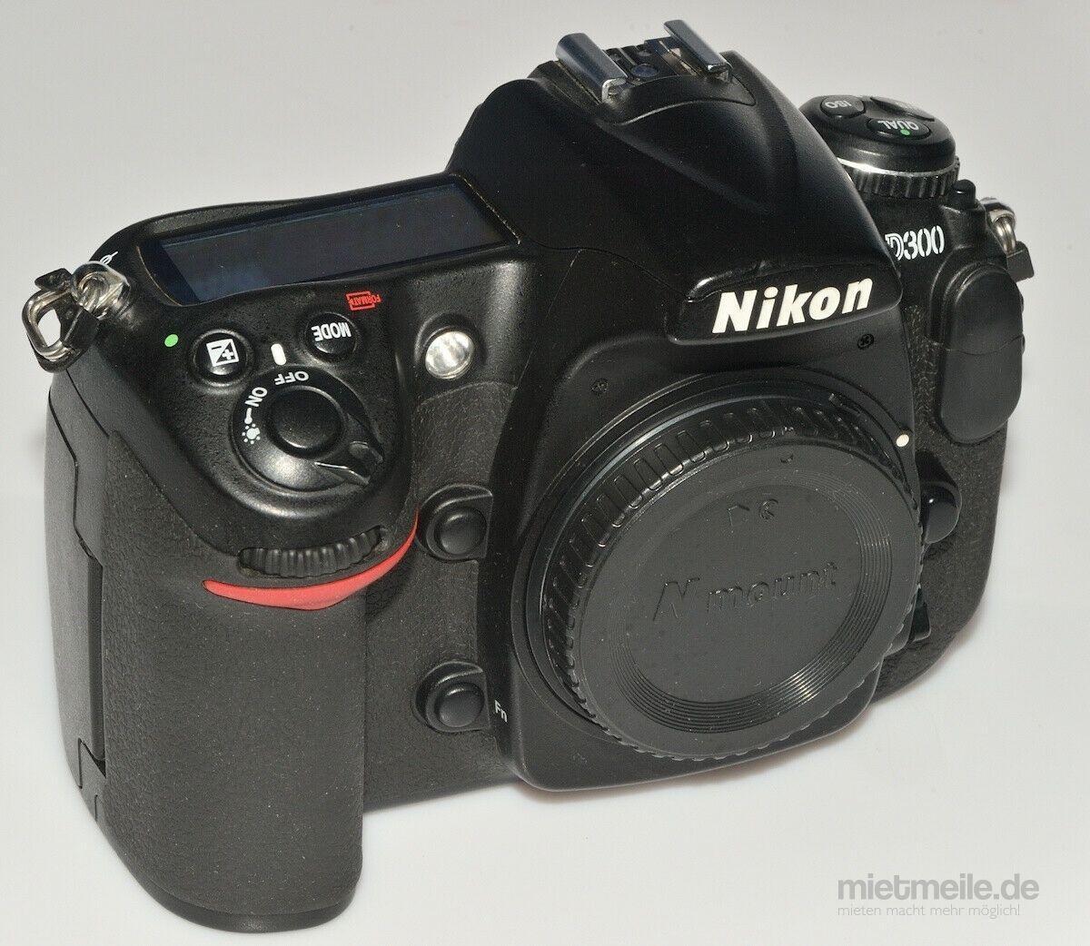 Fotokamera mieten & vermieten - Nikon D300 Kamera mit Sigma 18-200mm 3.5-5.6 Objektiv in Malgersdorf