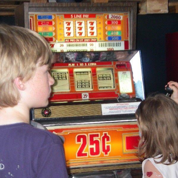 Gewinnspiele mieten & vermieten - einarmiger Bandit / Slot Machine inkl. 19% MwSt. in Münnerstadt