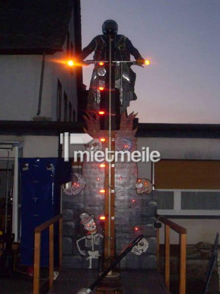 Hau den Lukas mieten & vermieten - Hau den Lukas bei Nacht mit Beleuchtung in Elsdorf (Rheinland)