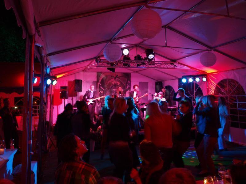 Partyzelte mieten & vermieten - Partyzelt 6 x 12 m in Herdecke