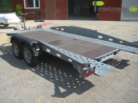 Autoanhänger mieten & vermieten - Autotransportanhänger mit geschlossenem Boden in Nahe