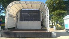Bühne für Events aller Art mit Ton- u Lichttechnik