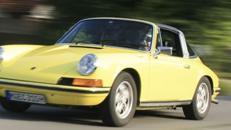 Oldtimer / Porsche / Type 911 / Targa / Sportwagen / Auto