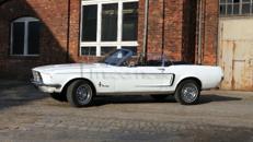 68er Ford Mustang Cabrio - ideale Hochzeitskutsche