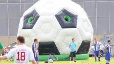 Riesen Fußball Hüpfburg 6 x 6 Meter