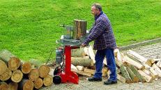 Holzspalter 6 t Spaltkraft 230 V, stehend