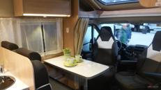 Wohnmobil Sunlight T 64 mit Hubbett mieten, 4 Pers.