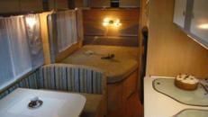 LMC-Wohnwagen 520 K mit Etagen- + Festbett
