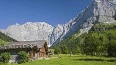 Schweizer Alpenland Kulisse, Schweiz, Alpen, Alpenland, Landschaft, Kulisse, Alpenlandschaft, Alm, Hütte, Haus