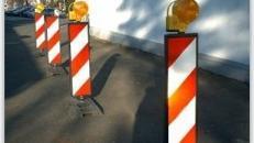 Absperrbarken, Barken, Absperrung, Baustelle, Baustellenabsperrung, Begrenzungsbarken, Straße, Dekoration, Event, Messe