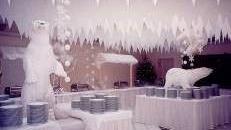 Verschneite Marktstände, Marktstand, Eingeschneit, Schnee, Stand, Eis, Eiswelt, Eiszeit, Polar, Pol, Südpol, Nordpol
