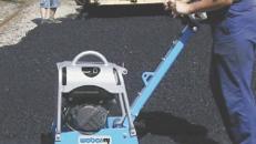Rüttelplatte, Rüttler, 103 kg reversierbar (Vorwärts- als auch Rückwärtslaufend)