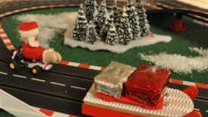 Santa Race - weihnachtliche riesige Carrera Rennbahn inkl. 19% MwSt.