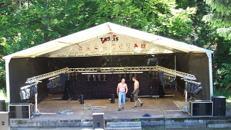 Bühne mit Zeltüberdachung 10 x 15 m