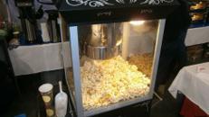 Popcorn Maschine / Popcorn / Popcorn Maker / Fun Food / Party Food / Popcorn Automat / Süßigkeiten