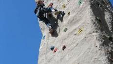 Kletterberg 7 Meter – Inkl. 2 x Betreuungspersonal und Haftpflichtversicherung / Kletterturm