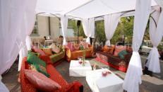 Loungetisch quadratisch, weiß - WUNDERRÄUME GmbH vermietet: Dekoration/Kulisse für Event, Messe, Veranstaltung, Incentive, Mitarbeiterfest, Firmenjubiläum