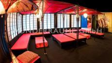 Asien Lounge 1 - WUNDERRÄUME GmbH vermietet: Dekoration/Kulisse für Event, Messe, Veranstaltung, Incentive, Mitarbeiterfest, Firmenjubiläum