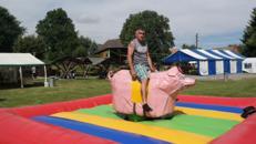 Schweinereiten, Enten Rodeo, Bullriding mieten