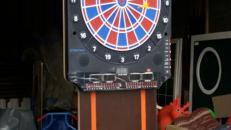 Dart-Automat mit Beleuchtung