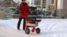 Salzstreuer für Streusalz - einfach und gleichmäßig die Wege frei - Schneefräse ebenfalls vorrätig im Mietpark Elsdorf