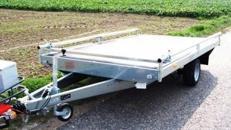 Plattformanhaenger mit Reling + Auffahrrampen 1500 kg gebremst / 100 km/h - Ladeflaeche geschlossen 3000 x 1840 - Nutzlast 1180 kg